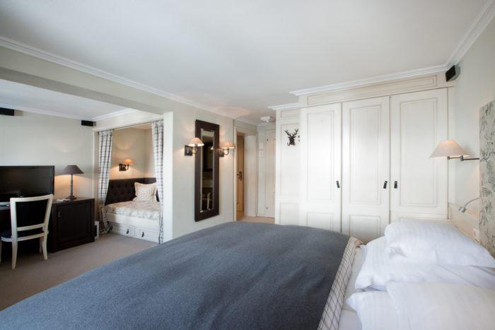 Doppelzimmer Kriegerhorn mit Bettnische im Hotel Der Berghof