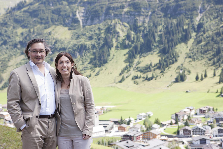 Die Hoteliers Isabelle und Stefan Burger vom Berghof in Lech